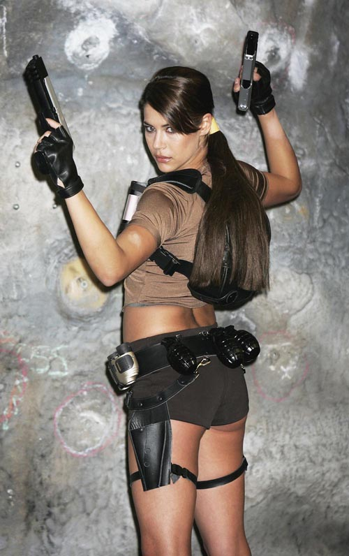 Lara Croft model Karima... Abebebebebe