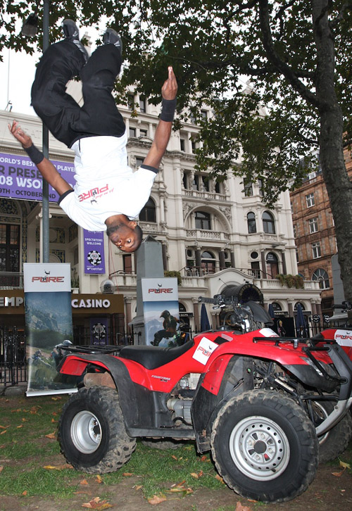 Pure 'parkour' shame in London