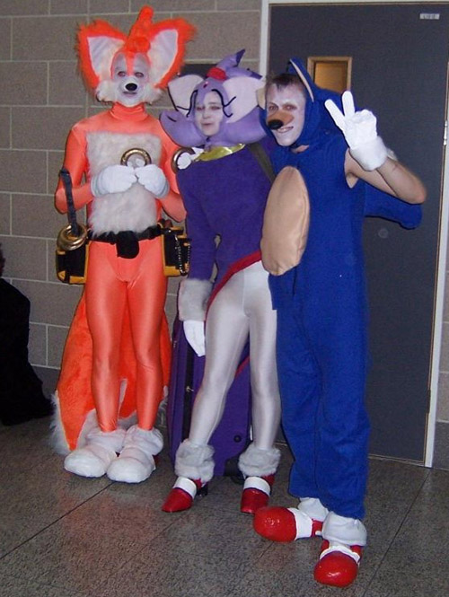 fail cosplay  Sonic-tails-cosplay-shame-1a